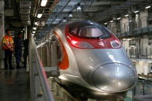 """ชมภาพรถไฟเอ็กซ์เพรสเรลลิงก์เชื่อม """"กว่างโจว-เซินเจิ้น-ฮ่องกง"""" เตรียมเปิดบริการ"""