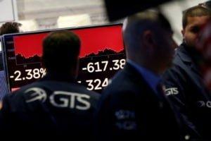 """น้ำมันลง-ทองพุ่ง $14-ดาวโจนส์ร่วง 600 จุด """"จีน"""" เอาคืนขึ้นภาษีสินค้าอเมริกัน"""